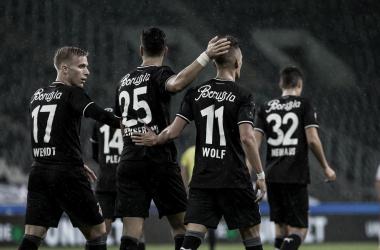 Borussia Mönchengladbach vence RB Leipzig e entra no G-4 da Bundesliga