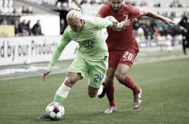 VAR anula gol deBrekalo, e Wolfsburg fica no empate diante do Augsburg