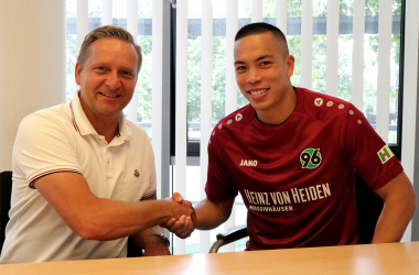 Horst Heldt and Bobby Wood. | Photo: Hannover 96.
