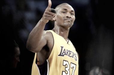Metta World Peace vuelve a los Lakers