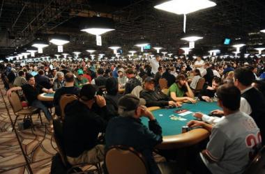 ¿Qué es un torneo de poker?