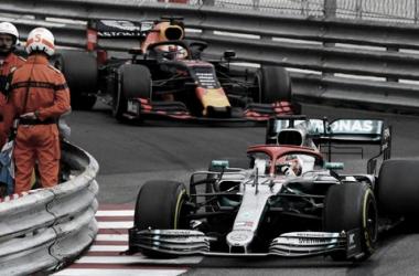 Hamilton festejando el triunfo | Foto: Fórmula 1