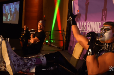 Amell & Stardust at Dallas Comic Con (www.rickey.org)