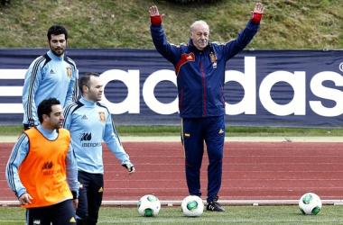 Espanha enfrenta o Uruguai mirando a conquista que falta
