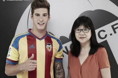 Valencia anuncia contratação de atacante Santi Mina, promessa do Celta de Vigo