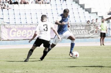 Yacine justo antes de marcar el gol (Foto: UD Melilla)