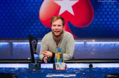 Robin Ylitalo, campeón (Foto: Pokernews).