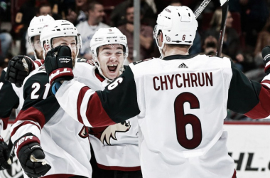 Arizona Coyotes celebrate the winning goal by Derek Stepan vs the Vancouver Canucks March 7, 2018. (Photo: nhl.com)