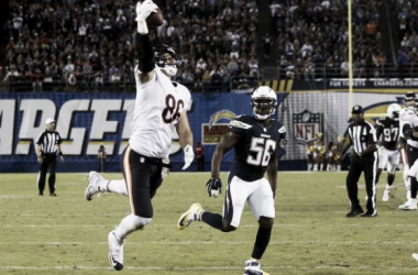 Miller recibiendo el balón para anotar el decisivo touchdown. Photo: usatoday.com