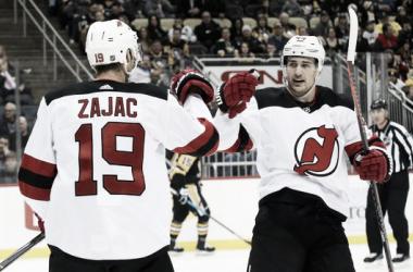 Zajac celebra su gol con Miles Wood anoche | Foto: YahooSports