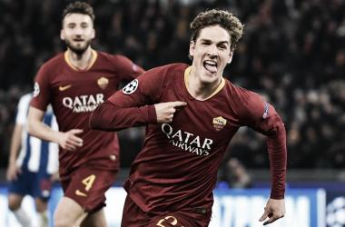 Zaniolo comemorando um dos gols contra o Porto (Foto: UEFA)