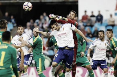 Real Zaragoza y Cádiz CF se miden en La Riomareda. | Foto: LaLiga