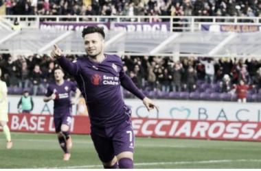El ex Vélez es uno de los nuevos apuntados para cubrir la vacante de Carlitos. Foto: Prensa Fiorentina