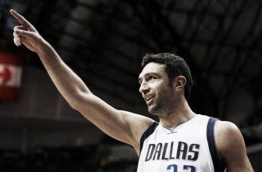 Zaza Pachulia is headed to the Bay Area on a one-year deal. Photo: Vernon Bryant/The Dallas Morning News