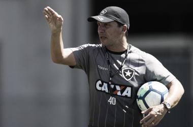 """Zé Ricardo admite atuação abaixo da média em goleada contra Grêmio: """"A gente não competiu"""""""