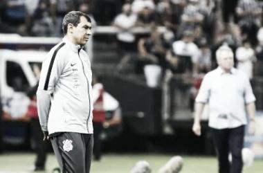 """Carille não nega má fase do Corinthians após derrota em casa: """"Precisamos todos crescer aqui"""""""