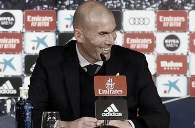 """Zidane: """"Vinicius lo ha hecho muy bien hoy, yo no le exijo goles"""""""