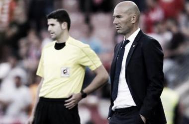 """Zidane nega pensar em doblete e lembra faltar ainda três """"finais"""" para título da Liga"""