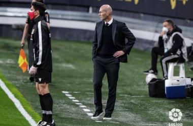 """Zidane: """"Nosotros no tenemos una plantilla corta, tenemos una plantilla amplia y muy buena"""""""