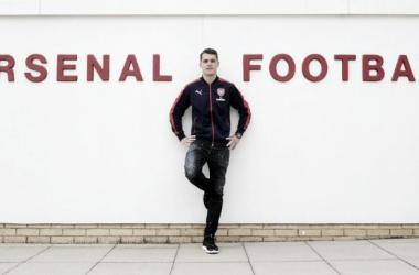 Arsenal oficializa contratação de Granit Xhaka por 30 mi de libras