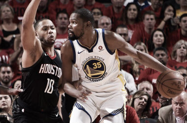 Kevin Durant in action vs Houston Rockets. Photo: Warriors/Twitter