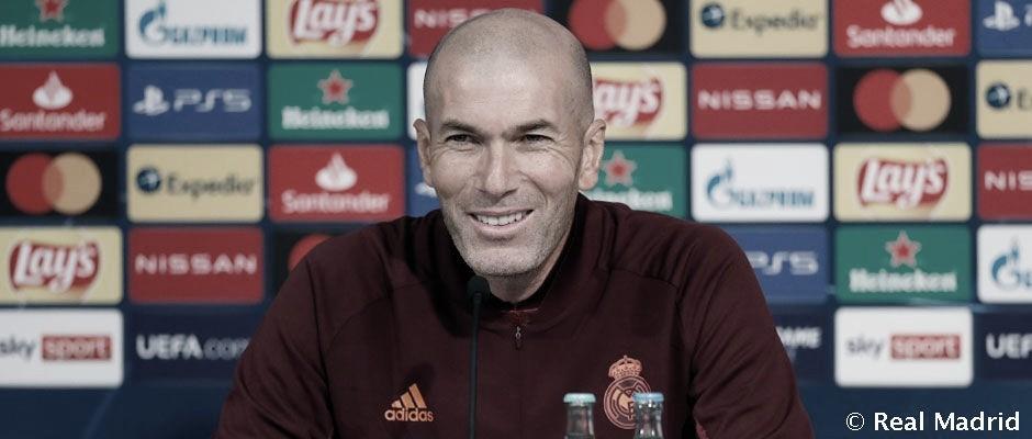 Zidane en rueda de prensa<div>www.realmadrid.com</div>
