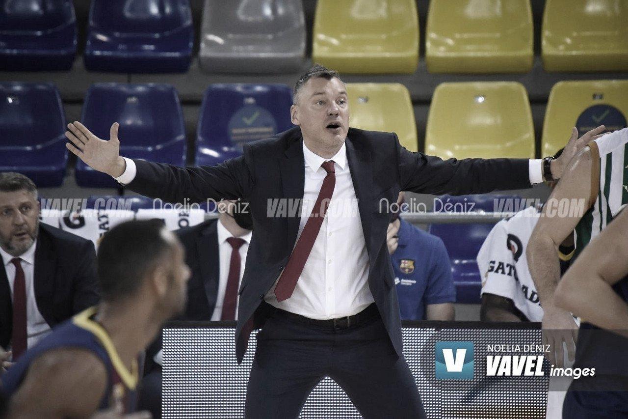 Jasikevicius dirigiendo a su equipo | Foto: Noelia Déniz / VAVEL