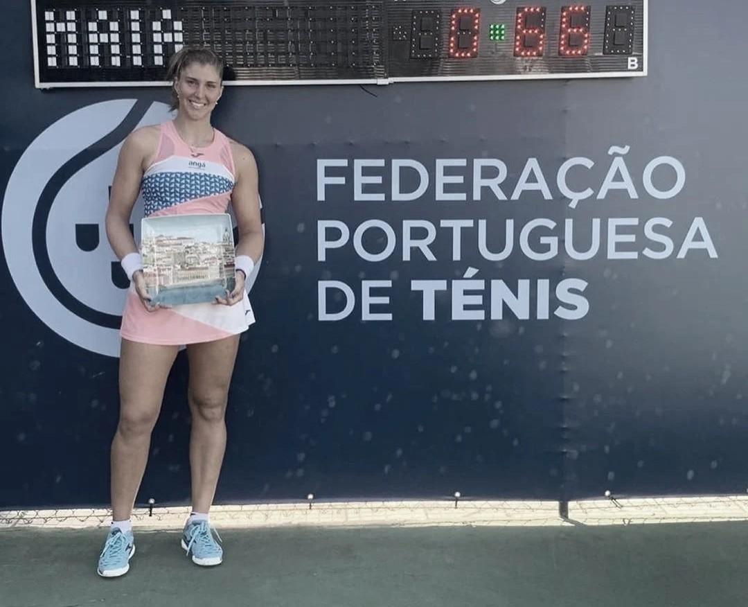 Em seu retorno às quadras após mais de um ano, Bia Haddad vence título em Portugal