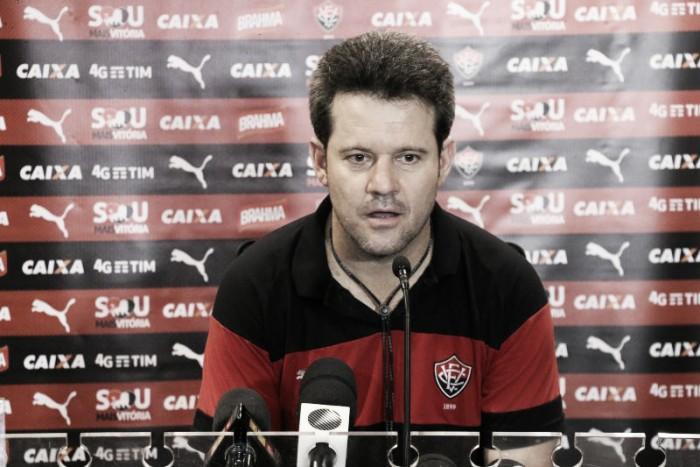 """Argel lamenta mais uma derrota do Vitória: """"O resultado é ruim para sequência do campeonato"""""""