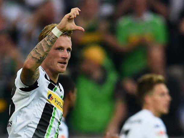 Borussia Monchengladbach 4 - 1 Schalke 04: Hahn brace leaves Schalke scrambling