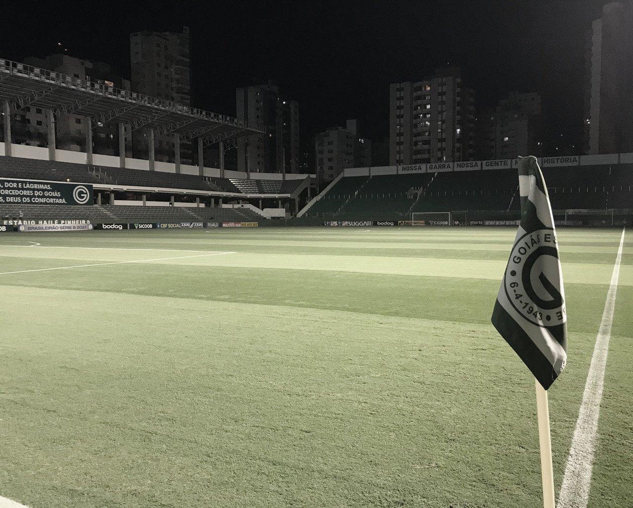 Goiás defende vaga no G-4 da Série B diante do Remo