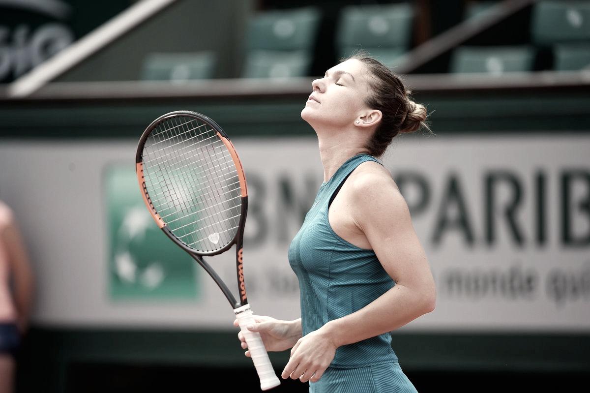 Halep derrota Mertens em menos de uma hora e garante vaga nas quartas de Roland Garros