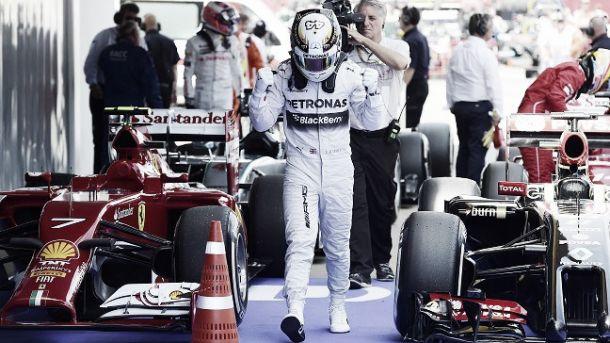Hamilton conquista quarta pole position consecutiva