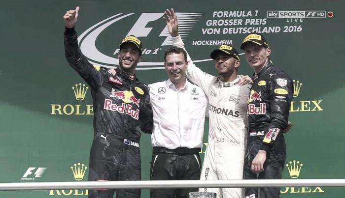 Hamilton stravince anche in Germania davanti alle Red Bull, gara anonima delle Ferrari