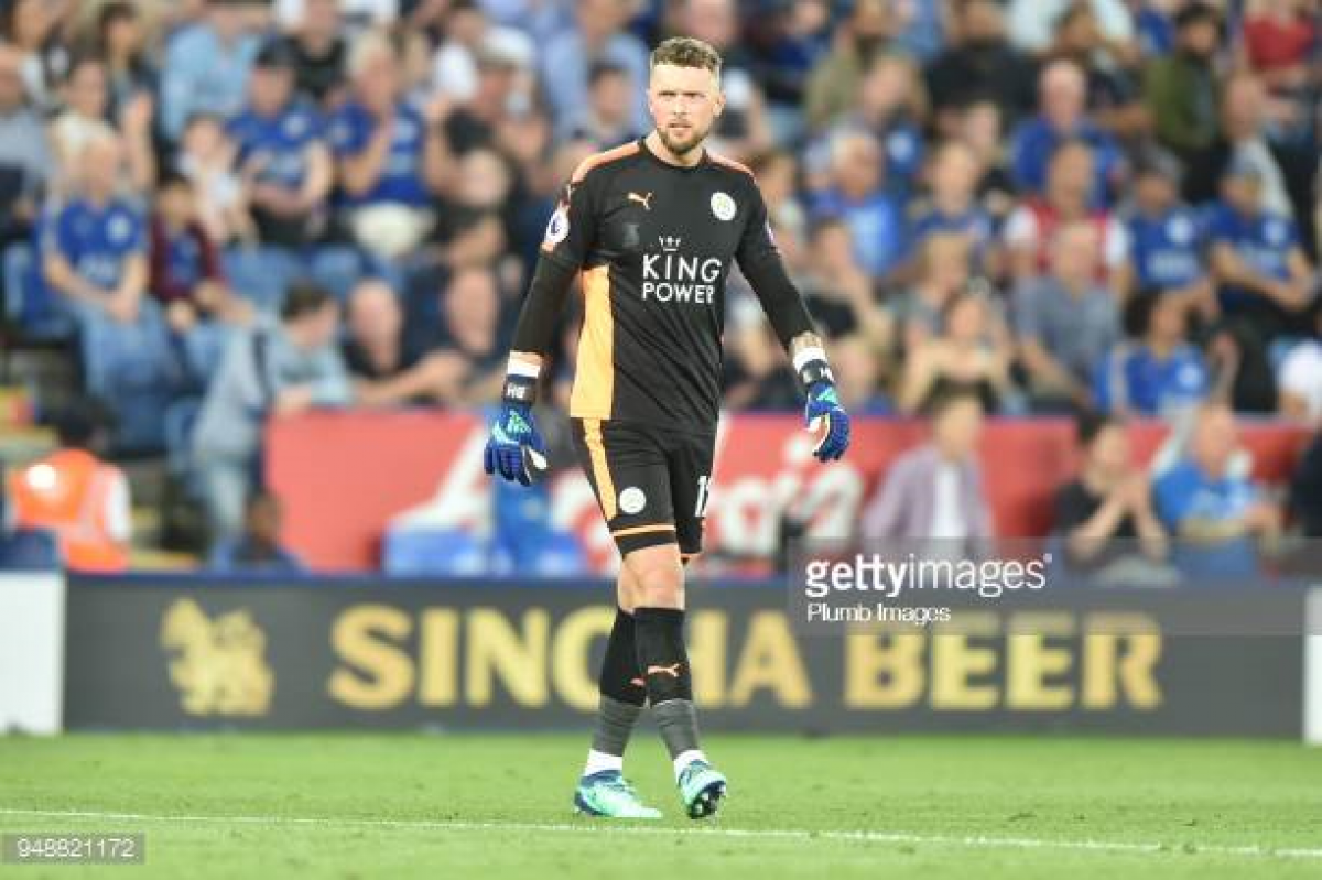 Huddersfield Town sign Leicester City goalkeeper Ben Hamer