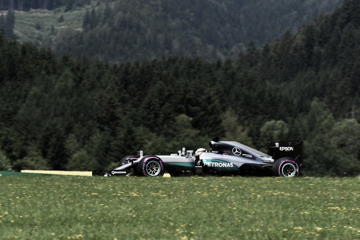 Austrian Grand Prix: Hamilton masters mixed conditions to grab Austria pole