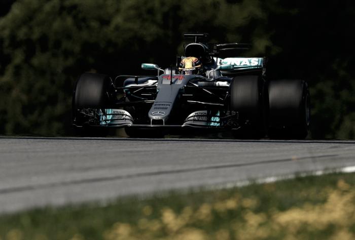 Hamilton sobra no primeiro treino livre em Red Bull Ring e quebra recorde da pista