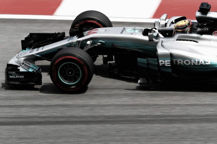 """Hamilton se diz surpreso com volta da pole na Malásia: """"Não sei de onde veio"""""""