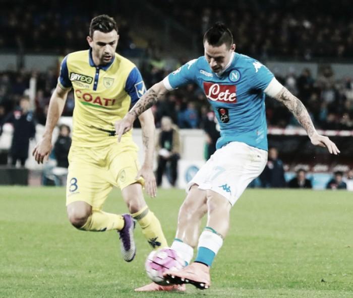 Napoli e Chievo se enfrentam em situações opostas e objetivos iguais na Serie A
