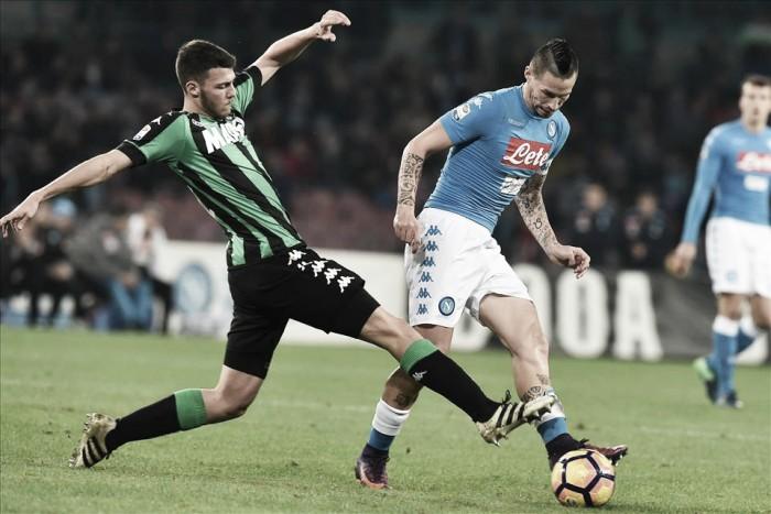 Napoli cai de rendimento, leva gol no fim e empata com Sassuolo