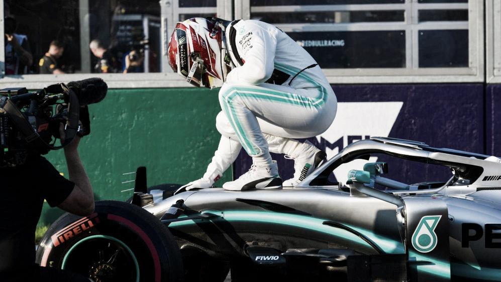 Temporada nova, pole position velha: Hamilton larga em primeiro com recorde da pista