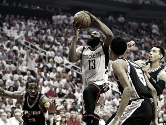 Playoff Nba, San Antonio passa a Houston e vola in finale Ovest