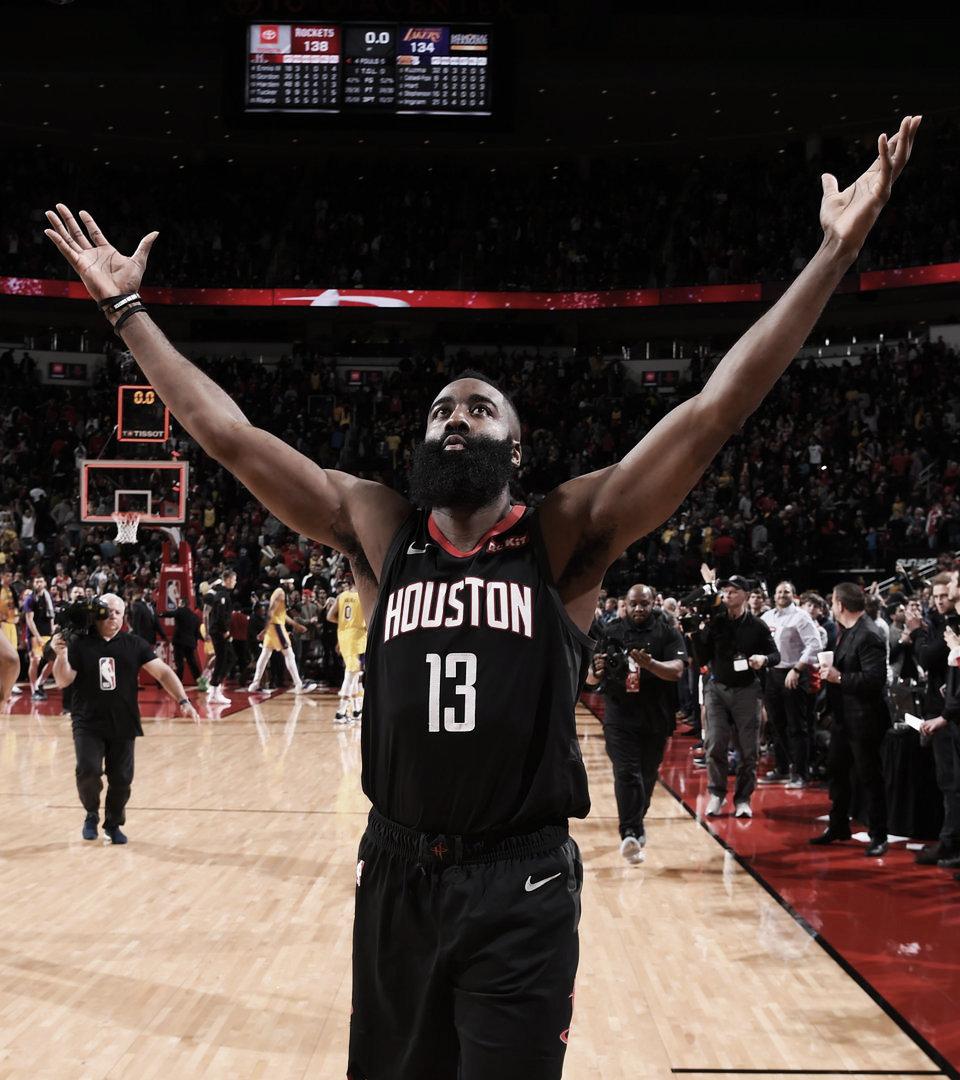 Harden anota 48 para reunir a los Rockets ante los Lakers