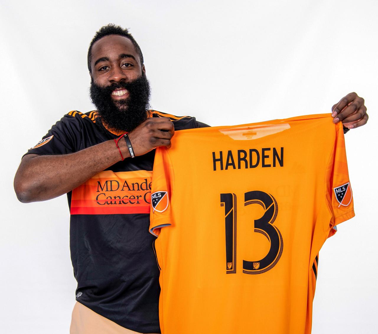 James Harden 'apuesta' por el soccer