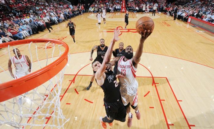 NBA - Houston in caduta libera, sconfitta anche coi Suns. Minnesota ok a Sacramento