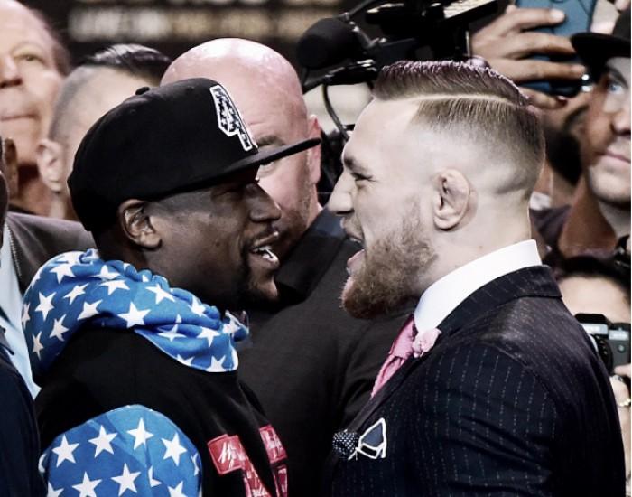 """Em coletiva, Conor McGregor provoca Mayweather: """"não passa de quatro rounds"""""""