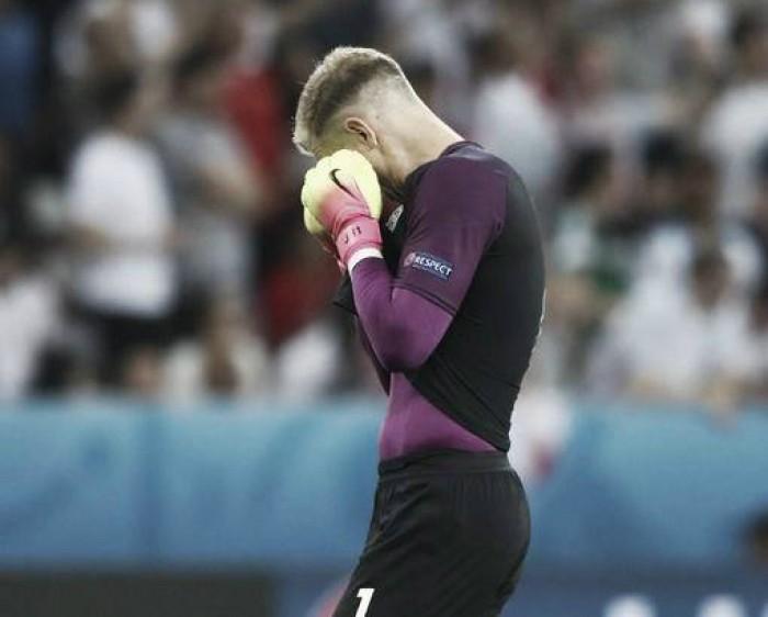 """Hart desabafa após a eliminação para Islândia: """"Colocamos o futebol inglês em um baixo nível"""""""