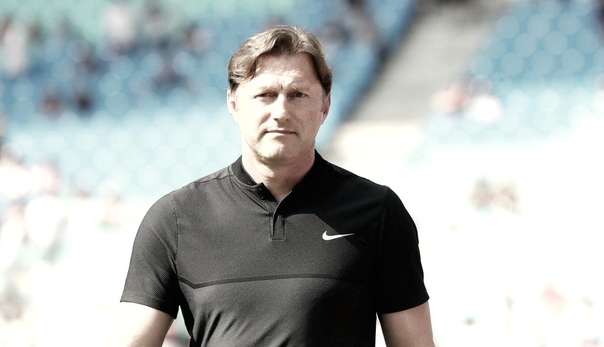 Hasenhüttl deja de ser entrenador del Leipzig