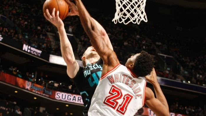 La tripla doppia di Whiteside porta gli Heat alla vittoria