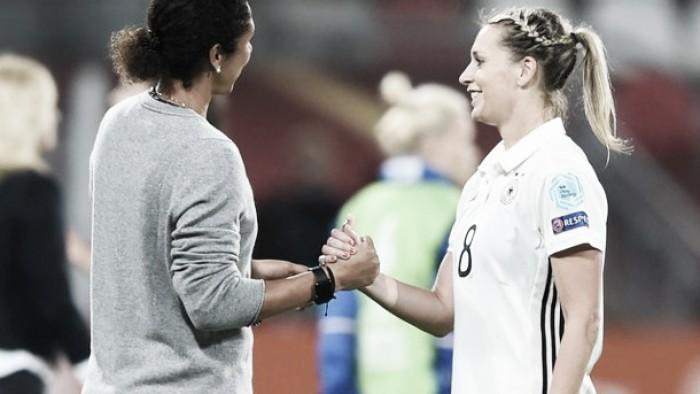 """Portas abertas"": Steffi Jones afirma que Lena Goeßling poderá voltar a DFB Frauen"